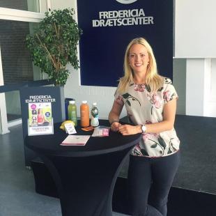 Vi har i dag haft fornøjelsen af Anne Louise fra @happyjuicery  Vi er så heldige at Anne Louise stiller op til vores YogaFestival, hvor hun sælger og vejleder i hendes lækre juicekure   I kan købe en 1-dags juicekur til YogaFestivallen, billetten købes på