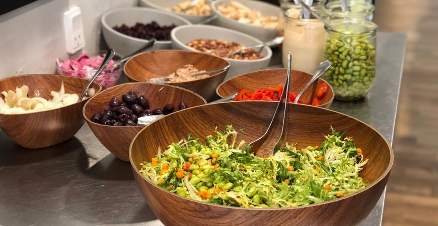 Salatbar i Café FIC i Fredericia Idrætscenter